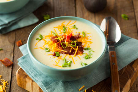 Creamy Loaded Baked Potato Soup with Bacon and Cheese Stockfoto