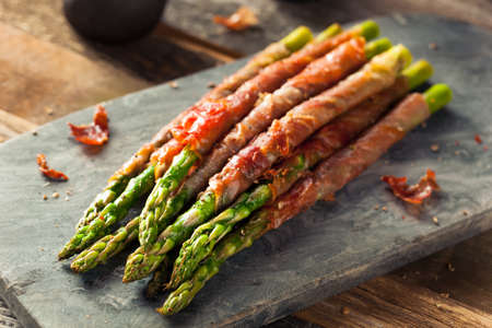 prosciutto: Homemade Prosciutto Wrapped Asparagus with Salt and Pepper