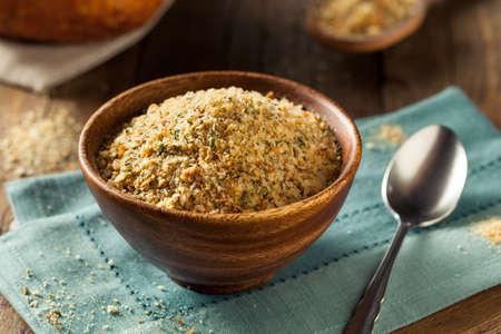 Homemade Organic Chapelure prêt pour la cuisson Banque d'images - 53875256