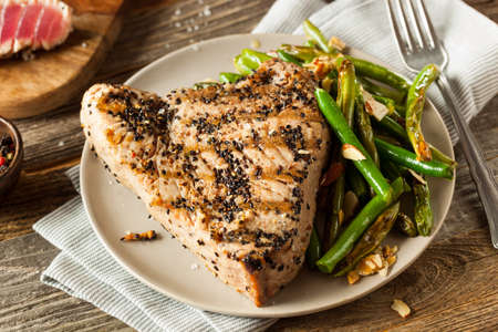 Homemade Grilled Sesame Tuna Steak with Soy Sauce Foto de archivo