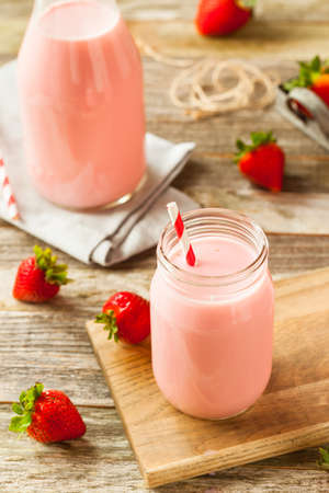flavours: Homemade Organic Strawberry Milk Ready to Drink