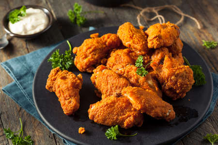 Spicy Deep Fried Chicken Wings met Gepaneerde Ranch
