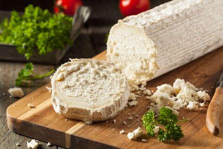 調理用生白オーガニック山羊チーズの準備