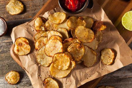 papas: Lime picante casera y las patatas fritas pimienta al horno con hierbas