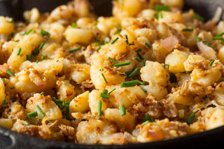 fried potatoes: Homemade German Fried Potatoes with Herbs and Spices