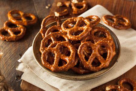 pretzels: Healthy Salty Baked Pretzels Ready to Eat