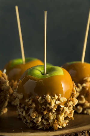 taffy: Homemade Organic Candy Taffy Apples for Halloween