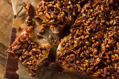 bollos: Homemade Glazed Pecan Sticky Buns Ready to Eat