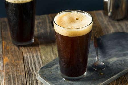 Frothy Nitro froide Brew Café Prêt à Boire Banque d'images - 71349864