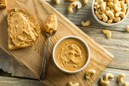 Homemade Cashew Peanut Butter Ready to Eat 스톡 콘텐츠