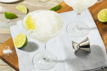 daiquiri alcohol: Cold Refreshing Lime Frozen Margarita Ready to Drink