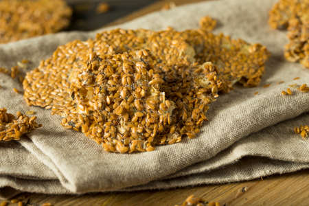 Healthy Homemade Flax Seed Crackers with Nuts
