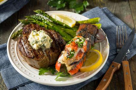 Homemade Steak and Lobster Surf n Turf with Asparagus 版權商用圖片