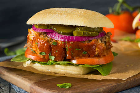 albondigas: Homemade Savory Meatloaf Sandwich with Lettuce and Tomato Foto de archivo