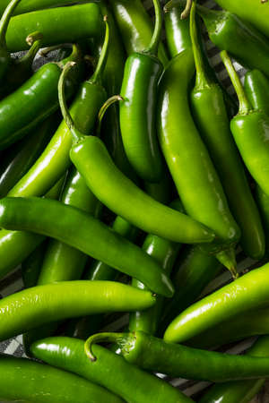 Raw Green Organic Serrano Peppers Ready to Use 스톡 콘텐츠