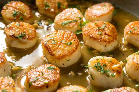 Capesante scottate in padella pronte da mangiare