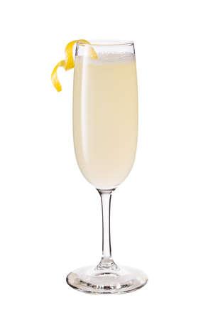 Cocktail rafraîchissant 75 français sur blanc avec un chemin de détourage