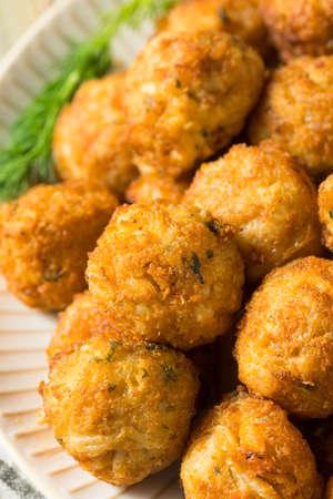 Homemade Seafood Mini Crab Cake Balls with Tartar Sauce Banque d'images