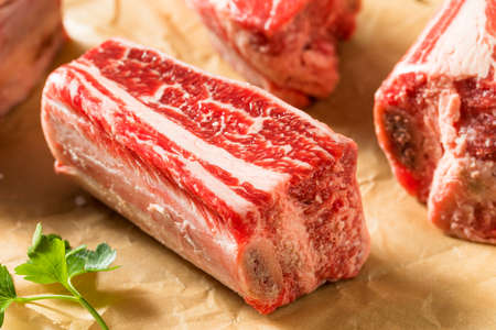 Raw Organic Beef Short Ribs Ready to Cook Stockfoto