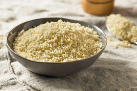 Flakey Breaded Panko Crumbs for Cooking Food Banque d'images - 123391987