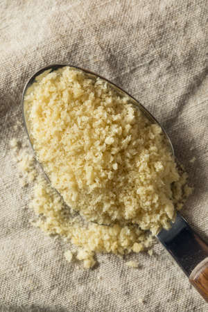 Flakey Breaded Panko Crumbs for Cooking Food Banque d'images - 123391998
