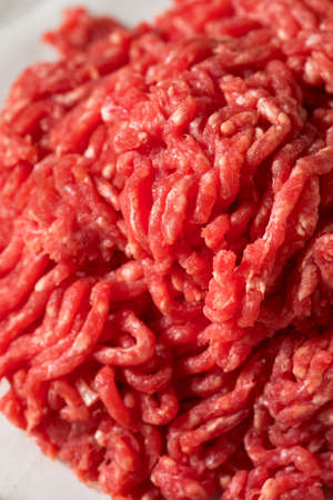 Raw Organic Red Ground Minced Beef Ready to Cook 版權商用圖片