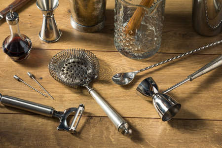 Metal Classic Bartender Bar Tools for Making Cocktails and Drinks