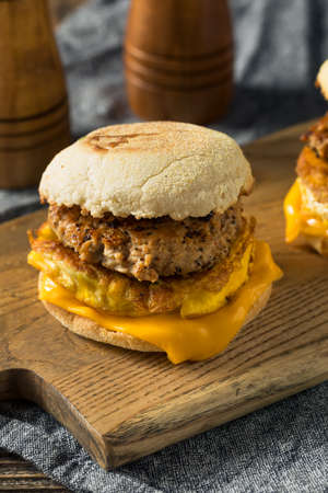 Homemade Breakfast Sausage Patty Sandwich with Eggs and Cheese Banque d'images