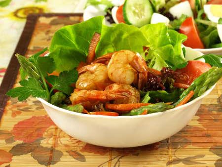 delightful: Delightful salad with shrimp and vegetables