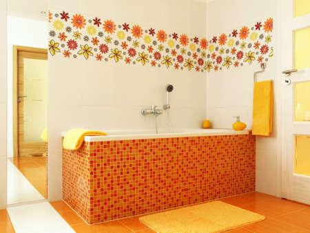 Geräumige Weiße Badezimmer Mit Großen Mosaik-Bad Lizenzfreie Fotos ...