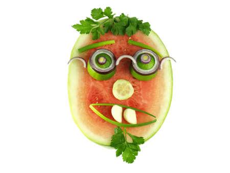 frutas divertidas: Cara a base de frutas y vegetales saludables Foto de archivo