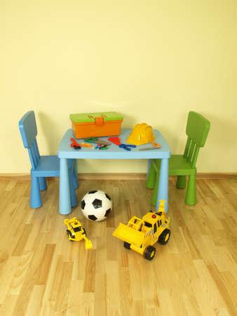 carritos de juguete: Conjunto de pl�stico de los juguetes para un ni�o Foto de archivo