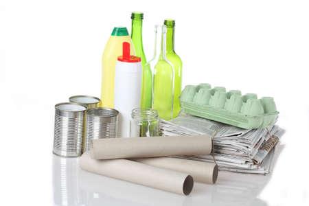 reciclable: Regular la segregación en el fondo blanco aislado