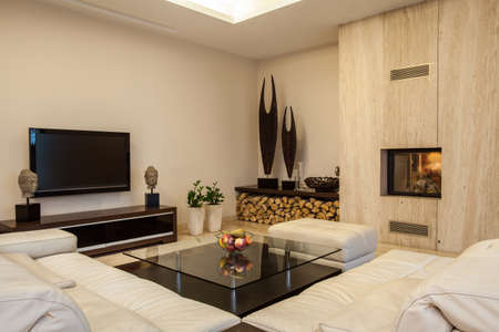 decor residential: Travertine house  Creative solutions for your home interior