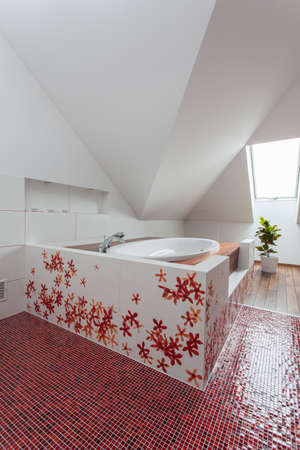 Ruby house - Huge bath in modern original bathroom interior photo
