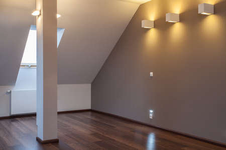 Ruby house - New and modern attic with wooden floor photo