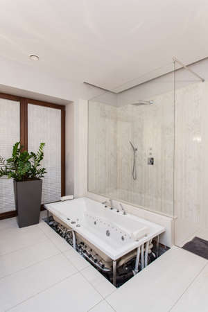 ruby house: Ruby house - repair of a bath, do it yourself