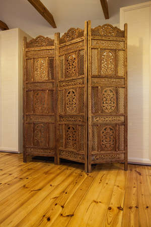 cloudy home: Cloudy home - wooden beautiful openwork screen in bedroom