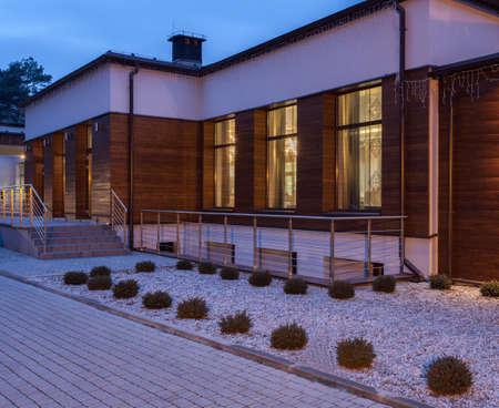 Woodland hotel - Modern and designed building photo