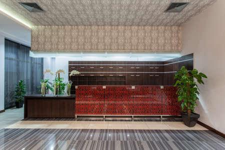 hotel reception: Woodland Hotel - Empfang in der Haupthalle