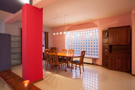 Amaranth house - dining room with a glass wall Stock Photo - 18725979