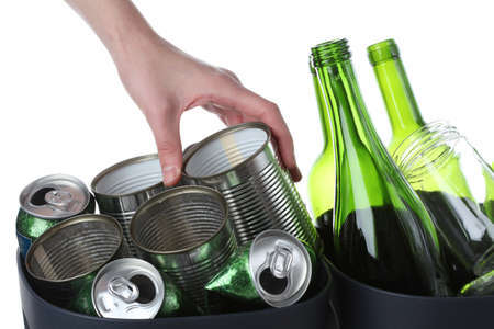 reciclar vidrio: Garbage listo para reciclar: vidrio y metal