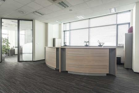 vestibulos: Entrada al nuevo interior de la oficina moderna, recepci�n Foto de archivo