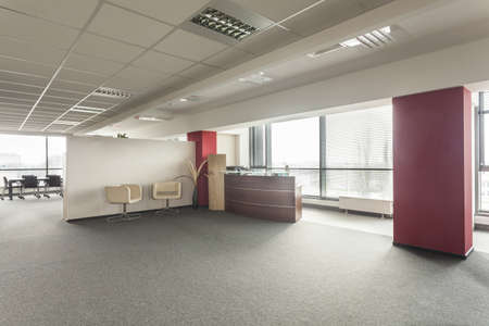 bank interior: Lobby in a new contemporary and spacious office