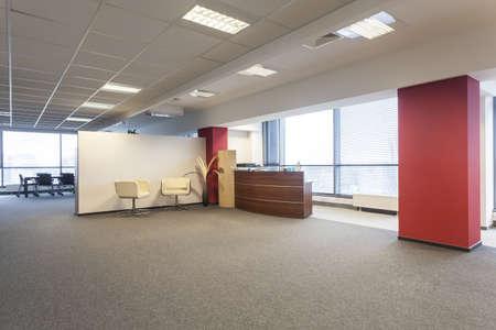 mobiliario de oficina: Oficina interior espacioso y un vestíbulo de recepción