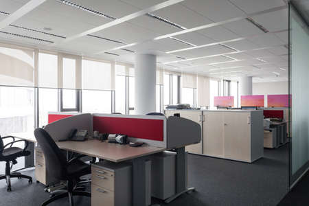 interior desing: Empty desk ready to work in an office