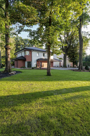 A stylish single-family house in the Nature Stock Photo - 20904109