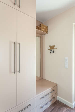 miror: Bright space - an ecru classic wardrobe with a mirror