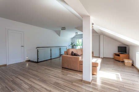 first floor: Bright space - a spacious first floor with a relax area