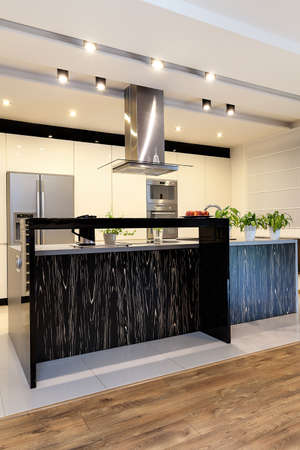 lighted: Urban apartment - Black counter with bright pattern